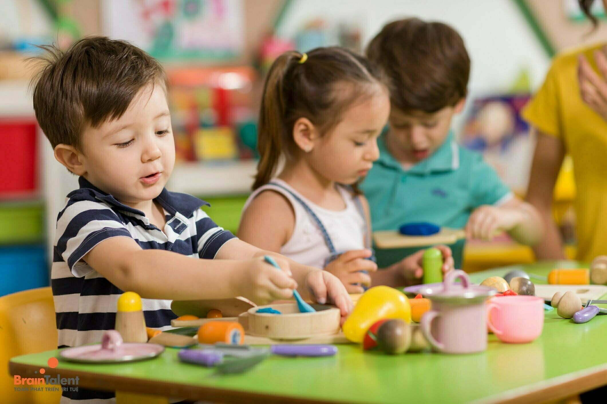 Khám phá đặc điểm phát triển tư duy của trẻ mẫu giáo