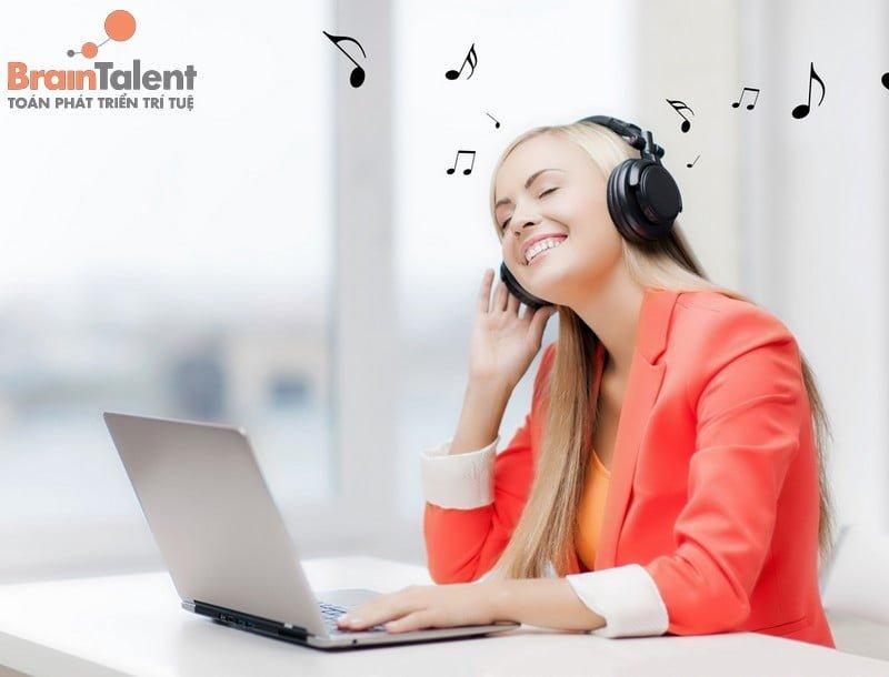 Rất nhiều ghiên cứu đã chỉ ra rằng âm nhạc có khả năng kích thích trí não