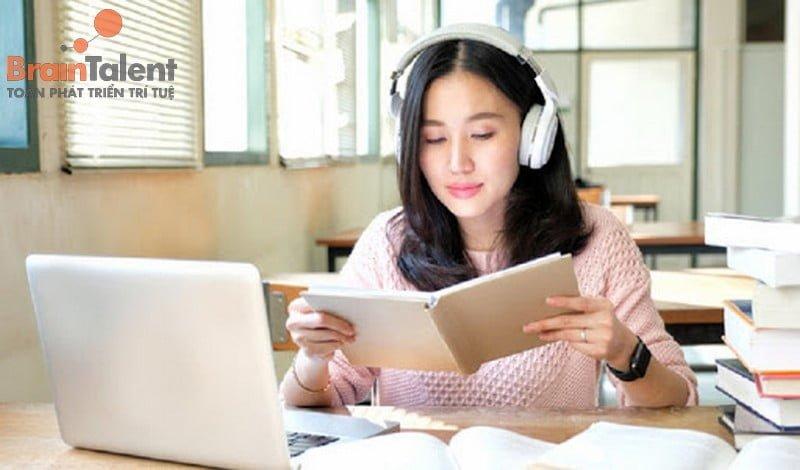 Nghe nhạc không lời giúp tập trung học tập hơn vừa giúp tinh thần thoải mái và dễ đi sâu vào giấc ngủ
